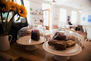 Huddle Cafe, Transforming Mission cakes and flowers